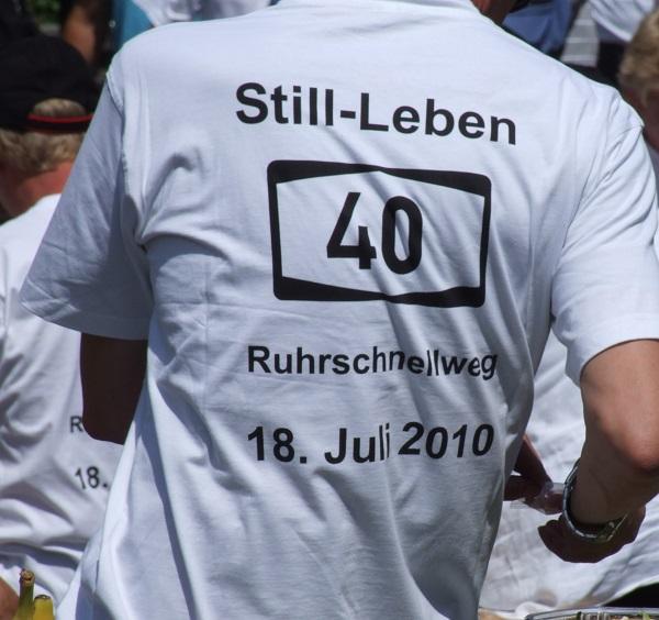 DFB will Ende der T-Shirt-Botschaften! (Foto: Jens Bredehorn  / pixelio.de)