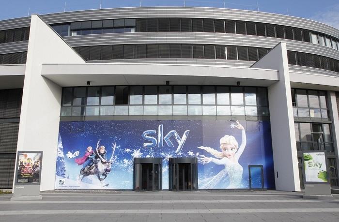 Sky-Kultreporter Fuhrmann erklärt Motz-Interview (Foto: Sky)