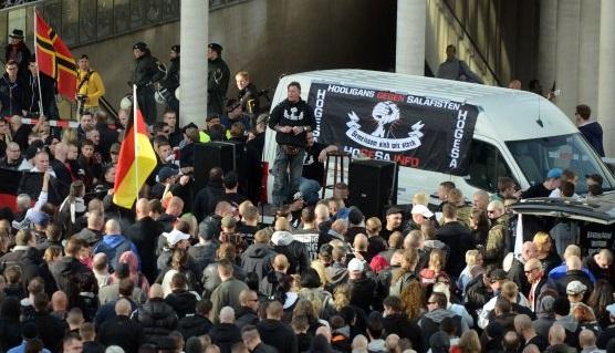 HoGeSa-Demo in Köln (Foto: facebook)