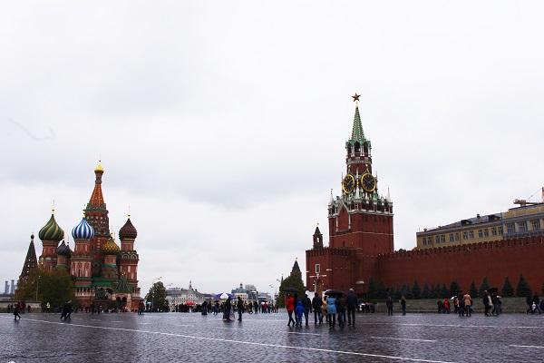 Auch am Roten Platz in Moskau herrscht WM-Chaos! (Foto: Helga Hauke  / pixelio.de)